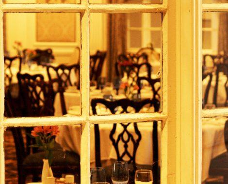 servicio decoración espacios públicos vidrio